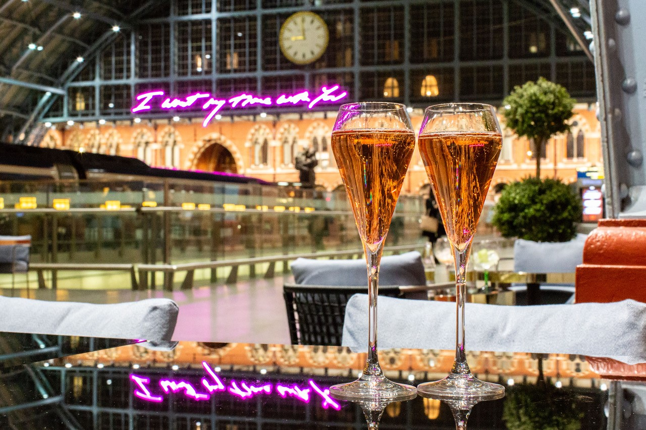 Celebrate International WomenGÇÖs Day with the Ladies of Champagne at Searcys St Pancras_002