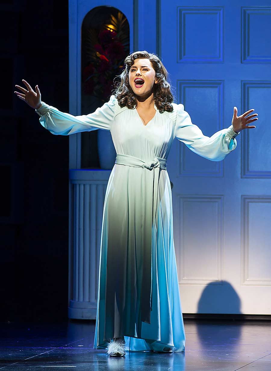 9-TO-5-THE-MUSICAL.-Amber-Davies-'Judy-Burnly'