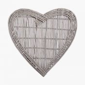 IMAGE-4---Large-Wicker-Heart,-£40,-www.blossomandbuttercup.co